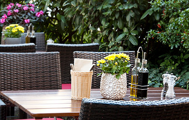 griechisches Lokal Terrasse